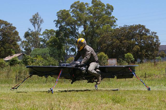 """HoverBike - Moto voadora muito parecida com os atuais """"drones"""" - Fotos: Divulgação"""