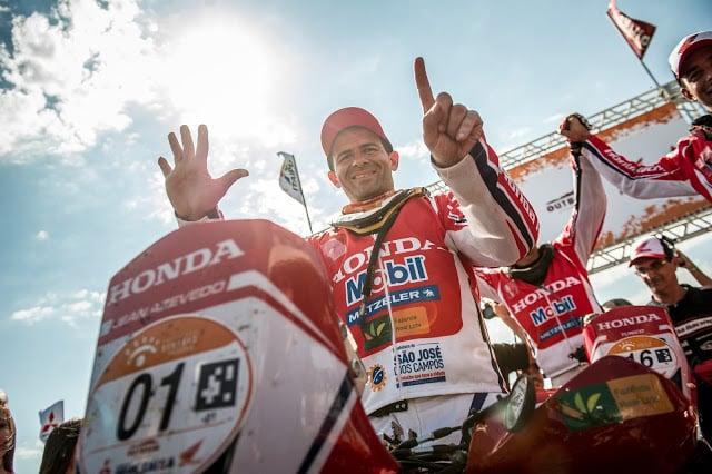 Jean Azevedo entra para a história do Rally dos Sertões com hexa nas motos