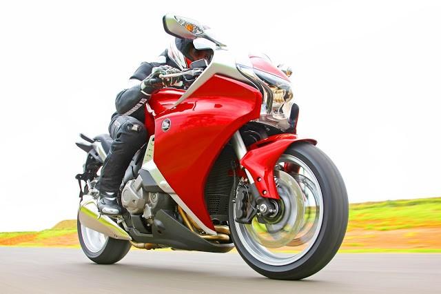 Honda convoca modelos VFR 1200F e VFR 1200X Crosstourer para recall