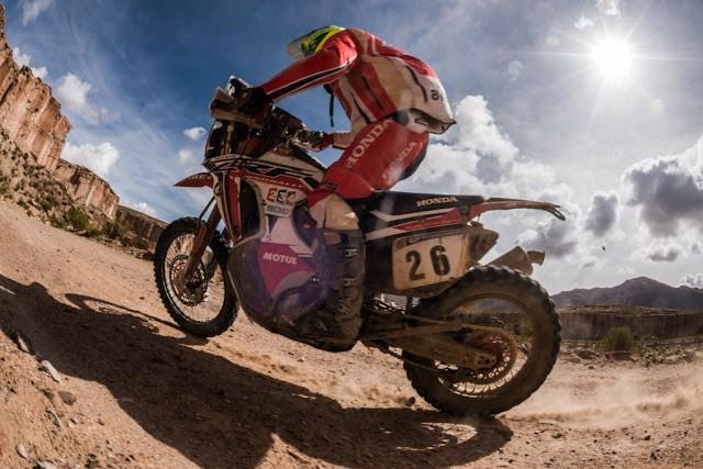 Único brasileiro nas motos, Jean Azevedo sai do Rally Dakar