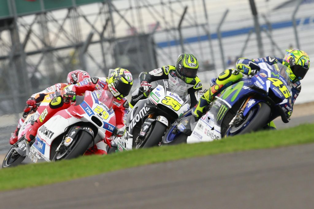 Moto GP em Silverstone, na Inglaterra: disputa acirrada a partir da segunda