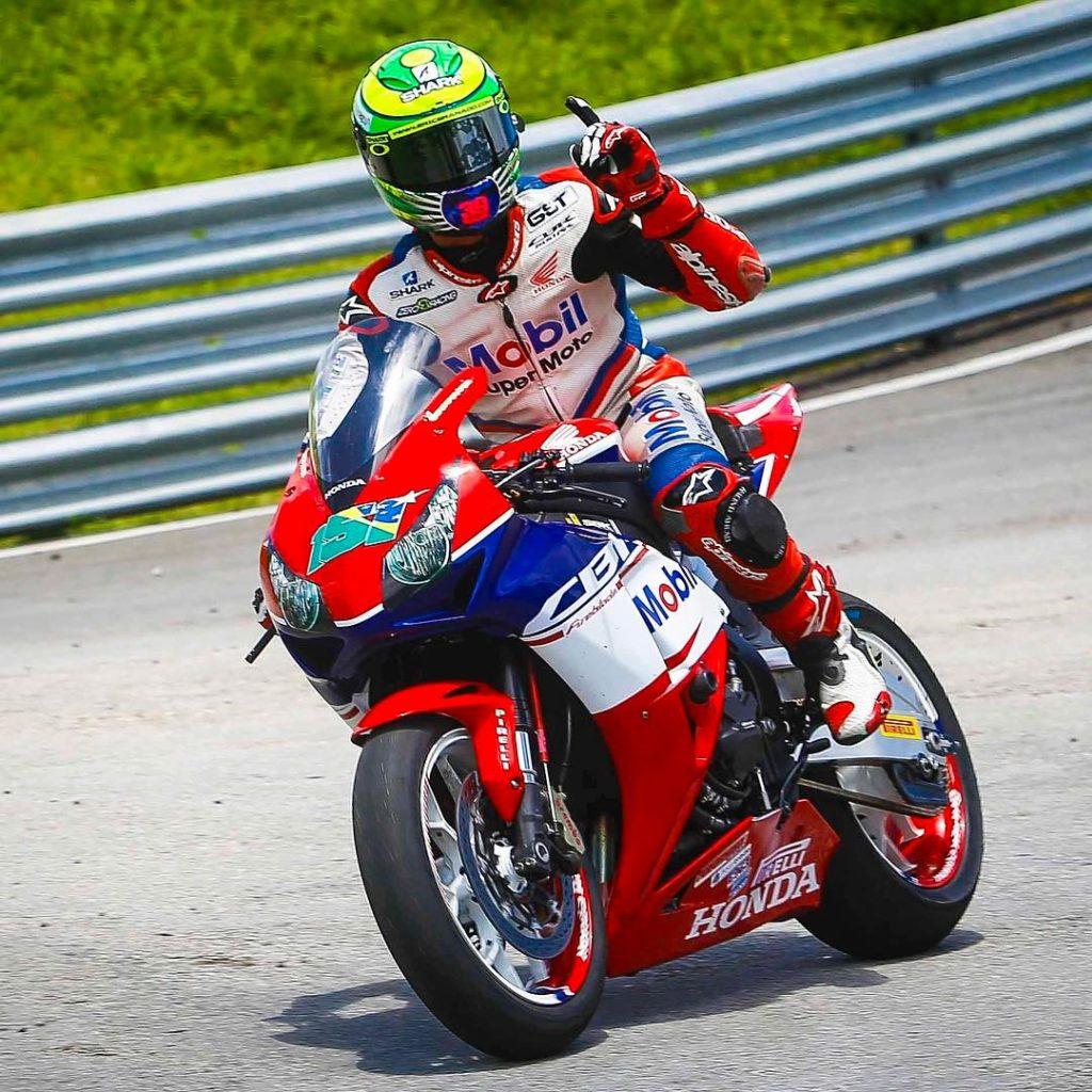 Eric Granado, vencendo a primeira corrida com uma moto 1000cc - Foto Facebook