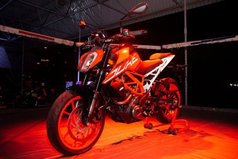 Lançamento oficial da Nova Geração da KTM 390 DUKE ABS - Foto reprodução Facebook