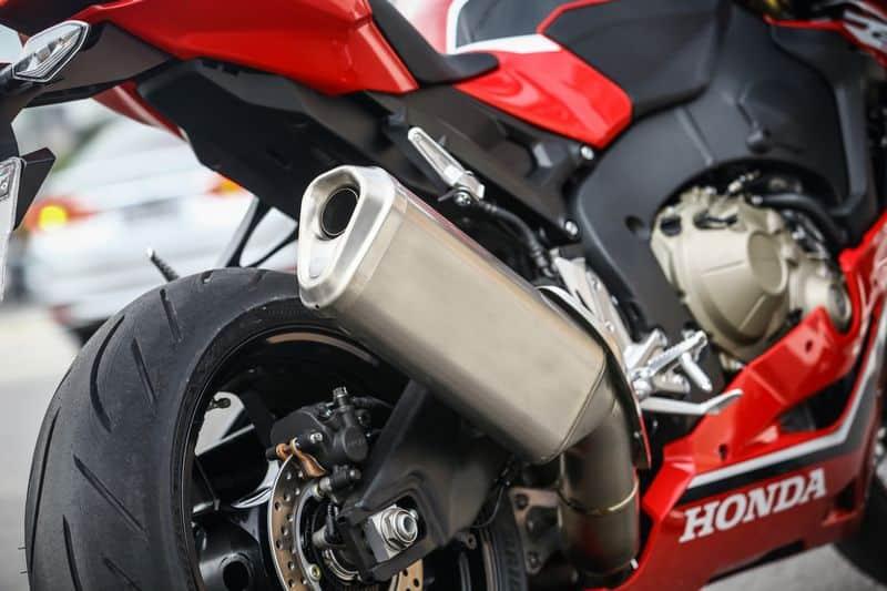 Honda apresenta versão 2018 da CBR 1000RR Fireblade