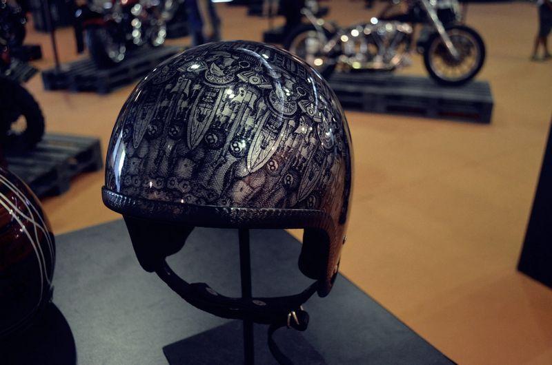 Visitantes poderão ver alunos da Estácio de Sá customizando capacetes na sexta e no sábado.