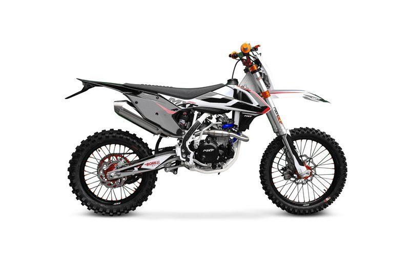 MXF 250 RX chega ao mercado na cor preta e com opção de injeção eletrônica