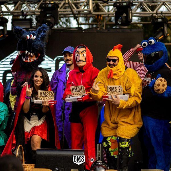 """Os """"Youtubers"""" fantasiados realmente agitaram a tarde de sábado do BMS 2019"""
