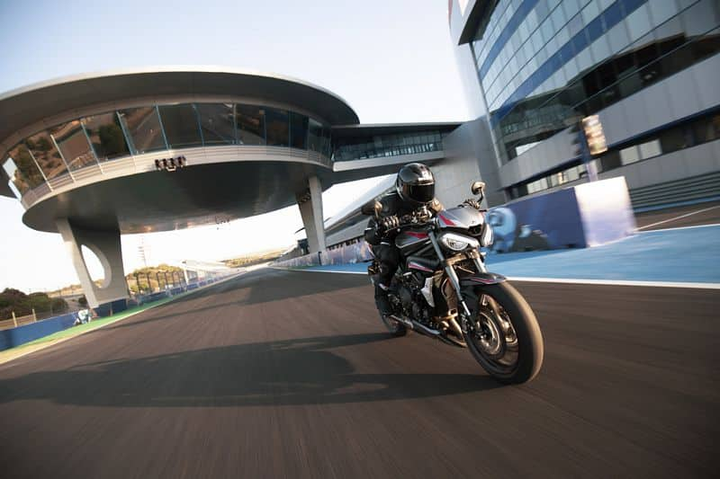 Triumph lança a nova Street Triple RS