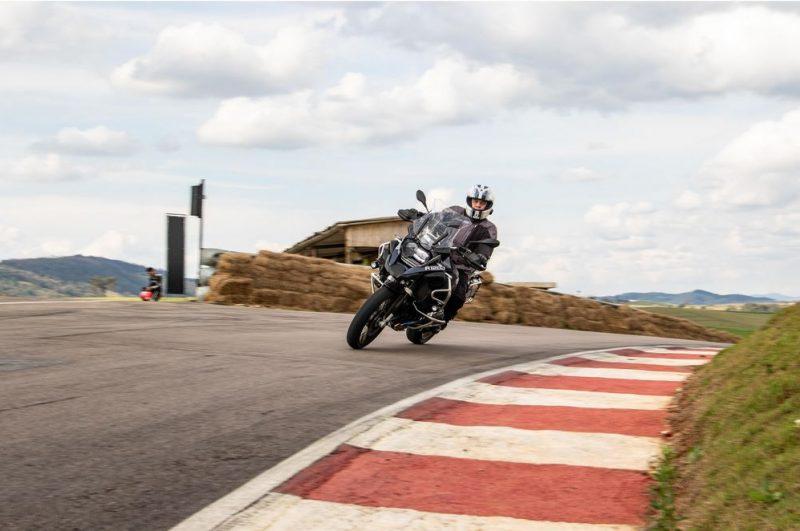 BMW Rider Experience oferece treinamento especializado para viajar de moto