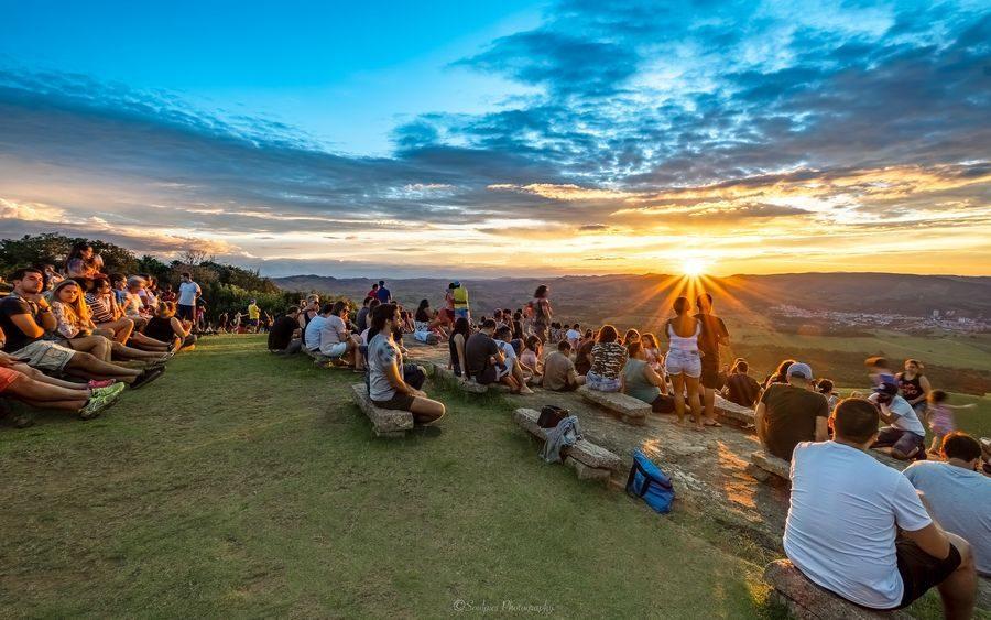 Mirante Pedra da Bela Vista um pôr do sol inesquecível Soulpicsphotography_ Shane Glen