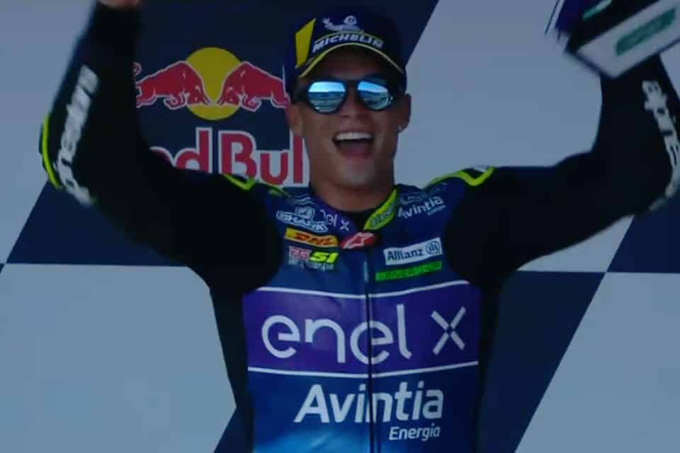 MotoE - Granado comemora vitória em Jerez na abertura da temporada.