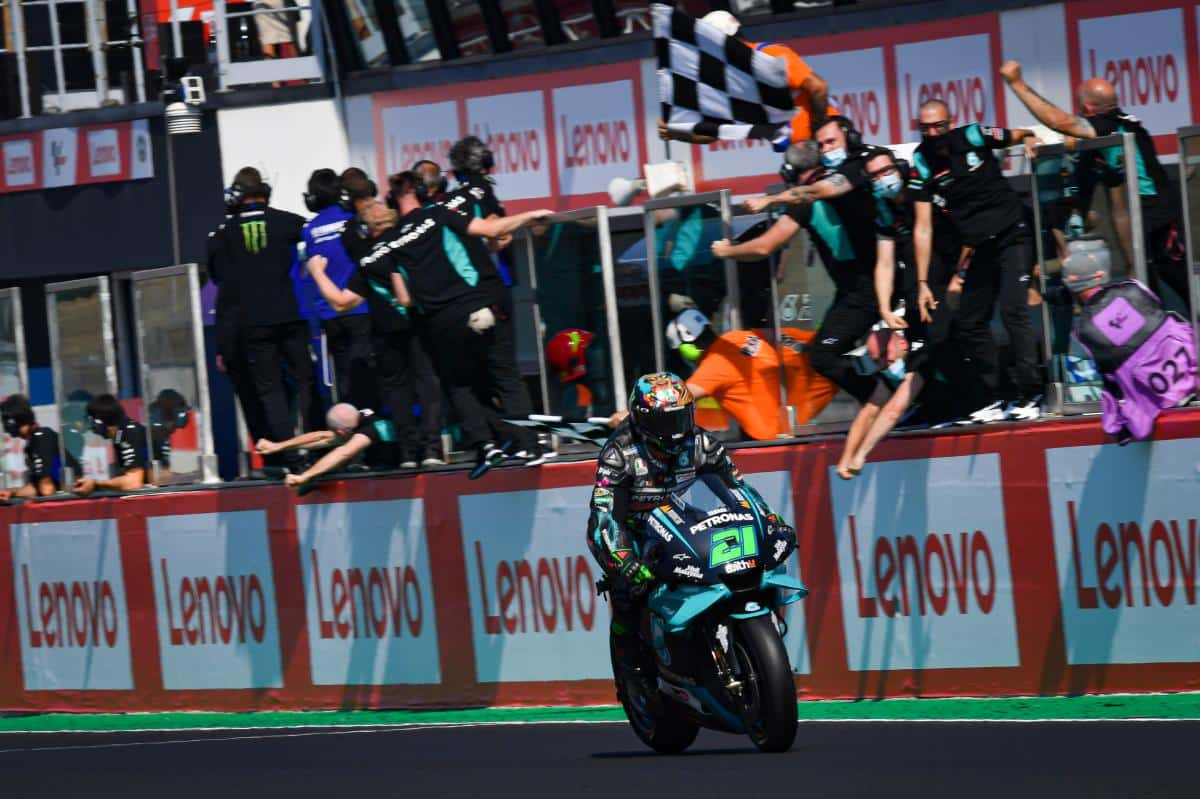"""Franco Morbidelli conquista sua primeira vitória na MotoGP """"em casa""""."""
