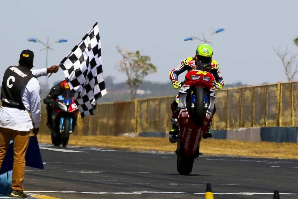 Eric Granado, da equipe Honda Racing, vence a segunda etapa do SuperBike Brasil 2020, em Goiânia (GO). Crédito: Ricardo Santos/Mundo Press