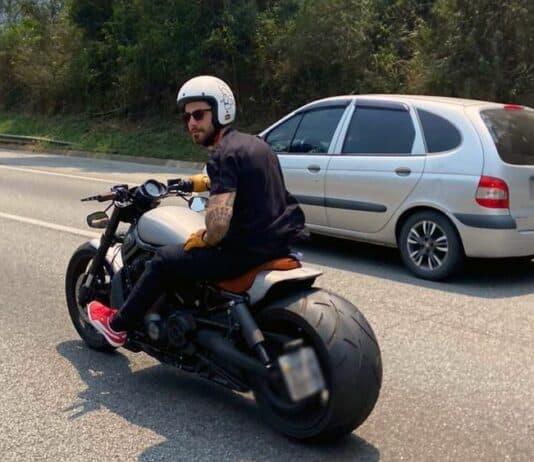Ator Felipe Titto participa do On Track a convite da Urban Helmets, uma das patrocinadoras do evento