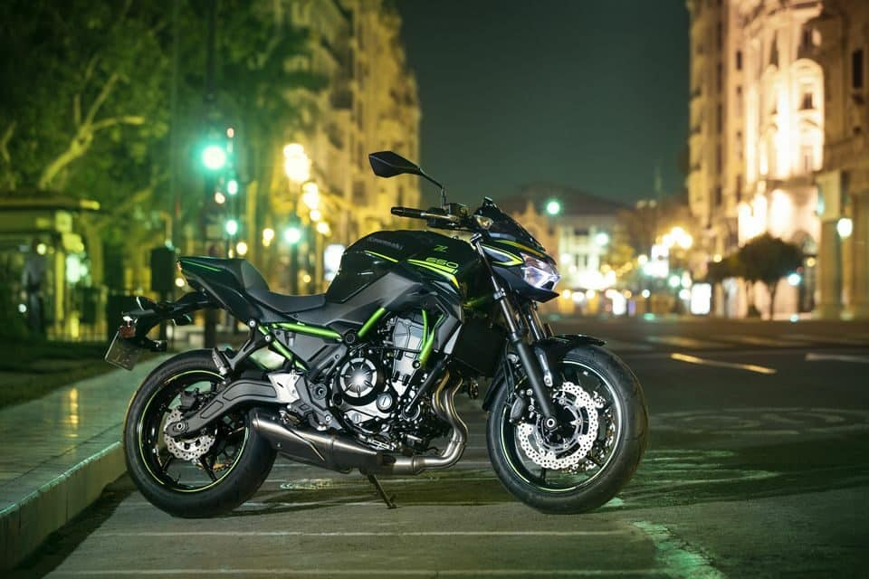 Kawasaki Z650 2021 - Candy Lime Green / Metallic Spark Black