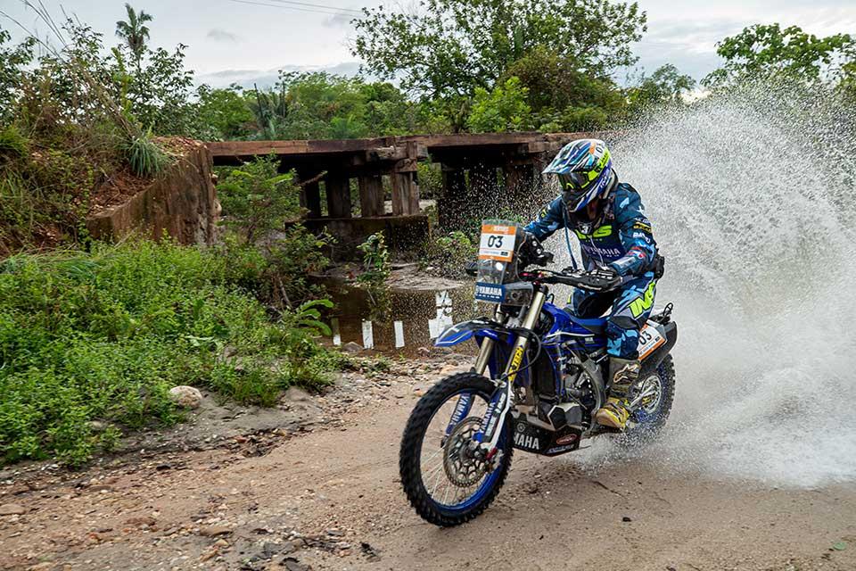 Sertões 2020: Ricardo Martins vence nas motos. Luto por Tonico Maciel